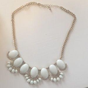 NEVER WORN. PERFECT CONDITION. Necklace